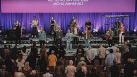 """Första gudstjänsten i """"nya"""" Filadelfiakyrkan"""