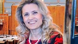 Kontroversiell kristen politiker dök upp i Masked singer