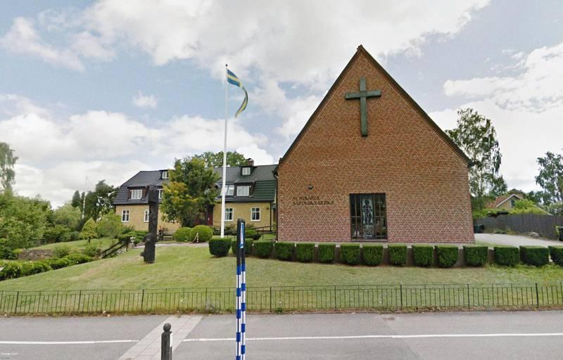 Sankt Mikaels katolska församling i Växsjö funderar på att ansöka om tillstånd för klockringning.