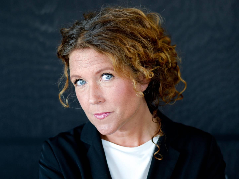 """SVT-journalisten Anna Lindman har följt Knutby Filadelfia mer eller mindre aktivt i sjutton år. I boken """"Sekten"""" har hon samlat intervjuer med tidigare församlingsmedlemmar."""