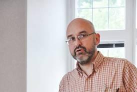 Statsvetare: M vilade förr på kristen grund – allt sådant borta nu