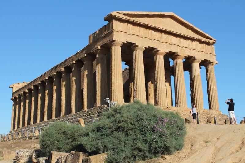 """Concordia är det bäst bevarade templet i """"Tempeldalen"""" utanför Agrigento."""