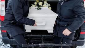 Uppfinningsrika begravningar kan försvåra sorgearbetet