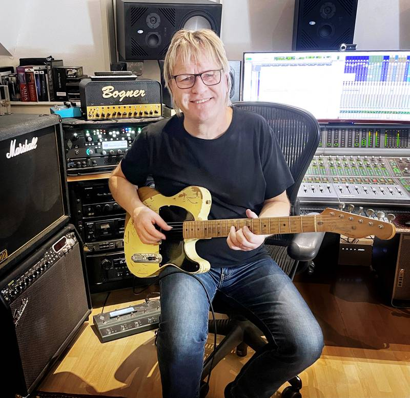 Gitarristen Olle Junholm har spelat med många av våra mest kända och folkkära artister.