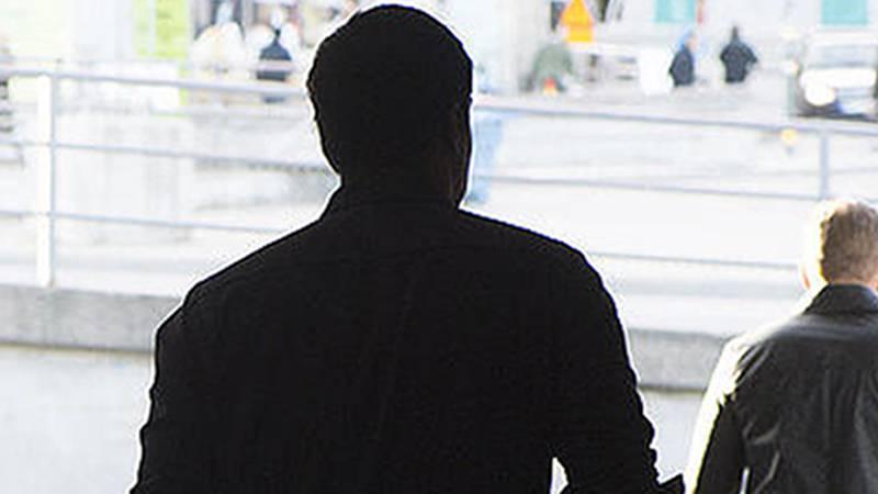 En före detta kyrklig chef har dömts till 18 månaders fängelse för sexbrott mot barn. Personerna på bilden har ingenting med innehållet i artikeln att göra.
