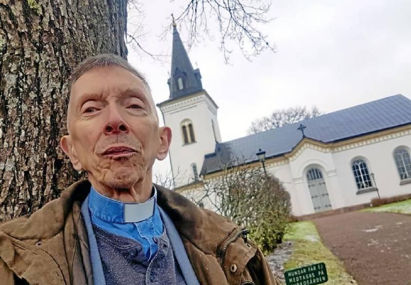 Prästen Leif Skjetne från Hånger flyttar till Marocko, han kommer i samma veva byta namn till Ahmed Rekdou Skjetne.