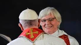 Påven fick nattvardsgåvor av ärkebiskopen