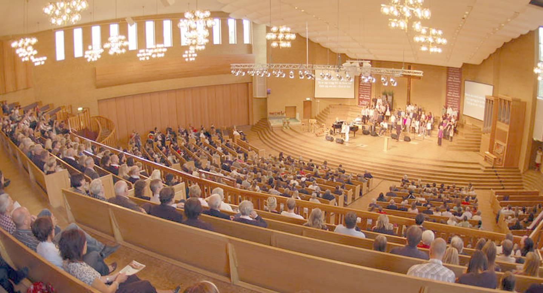 Gudstjänst i pingstkyrkan i Jönköping.