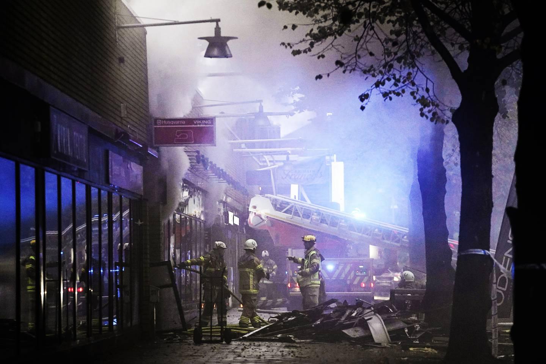 En stor explosion inträffade vid ett flerfamiljshus på Övre Husargatan i Annedal i centrala Göteborg. Saronkyrkan öppnade sina lokaler för ett 50-tal boende som drabbats. Daniel Dalemo, präst i Saronkyrkan i Göteborg.