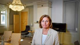 Isabella Lövin avgår som språkrör och lämnar ministerpost