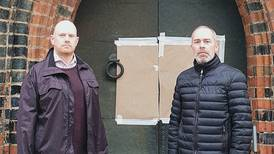 Hakkors på Västerås domkyrka bedrövar anställda