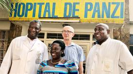 Så räddade den finske kirurgen livet på Denis Mukwege