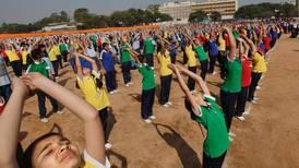 Obligatorisk yoga fråga för indiska regeringen