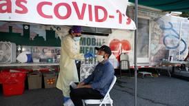 Kyrkor syr upp ansiktsmasker i coronadrabbat USA