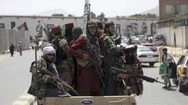 Talibaner letar efter bibelappar hos kristna afghaner