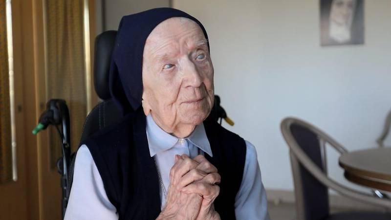 Lucile Randon, som kallas för syster André, fyller 117 år i veckan och har just överlevt covid-19.