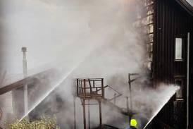 Träkyrka räddades undan lågorna i sista stund