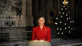 Webb-tv: Här läser Kronprinsessan julevangeliet i kyrkan på slottet