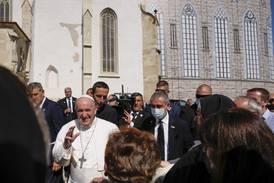Påven manar Europa att tänka på andra efter pandemin