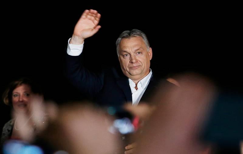 svartmålar. Tredje gången i rad stod Viktor Orbán som segrare efter val i Ungern. Under valkampanjen målades bland annat muslimer och flyktingar ut som fiender.