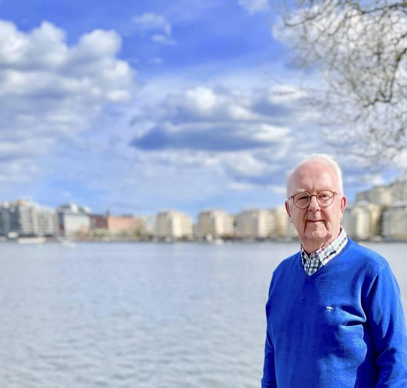 Åke Olofsson fyller år.