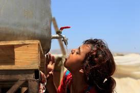 Tre veckor utan vatten får kyrkoledare att ilskna till