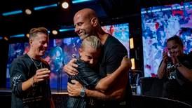Hillsong döpte över 100 personer på samma dag