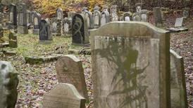 Judisk begravningsplats vandaliserad i påsk