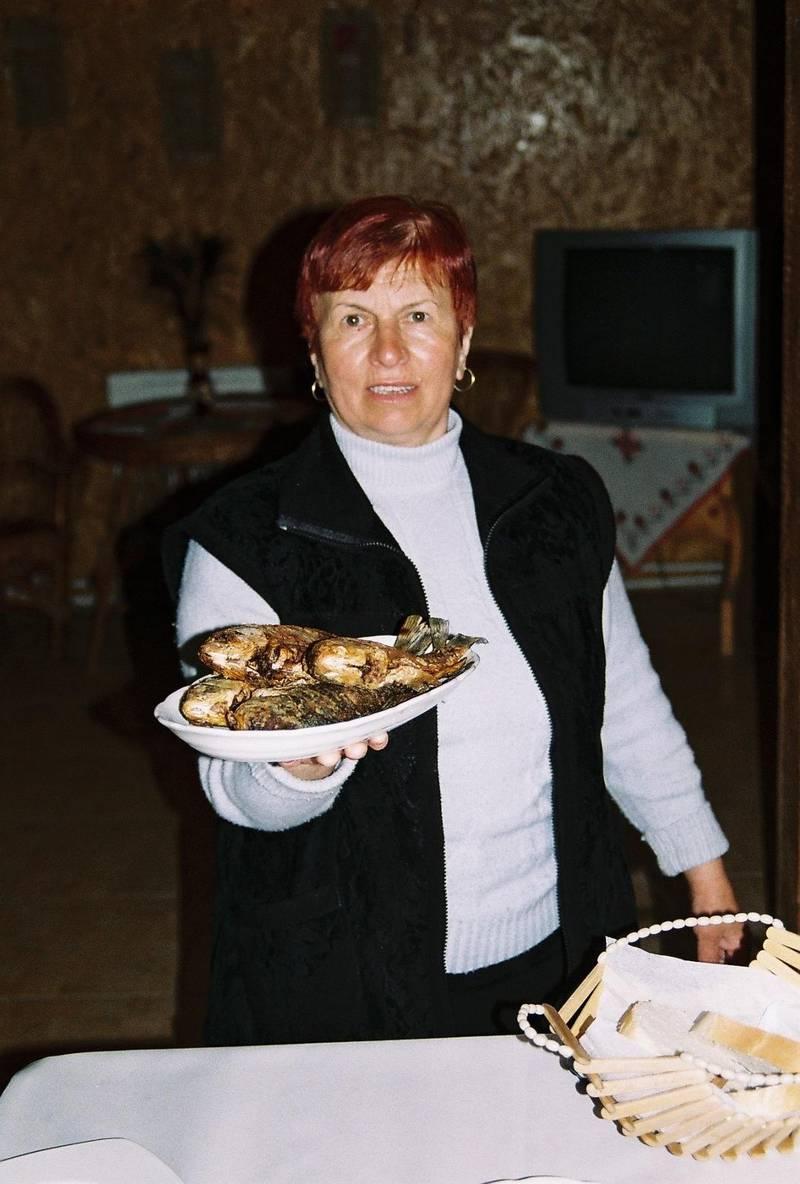 Varsågod. Karp står ofta på menyn längs Donau.