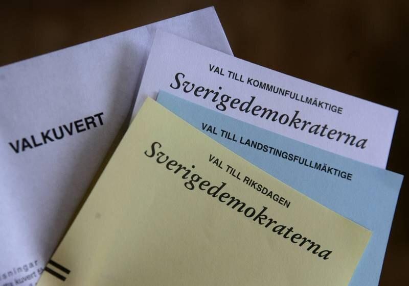 """""""Vi vill uppmana kristna som sympatiserar med SD att våga ta sin kristna tro på allvar och undersöka argumenten för sin politiska ideologi"""", skriver teologistudenterna P-O Flodström och Niklas Härlin."""
