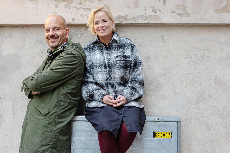 """podden """"Föräldrapeppen"""", som görs av paret och fyrabarnsföräldrarna Jeanette och Gabriel Ingemarsson och produceras i samarbete med Dagen."""