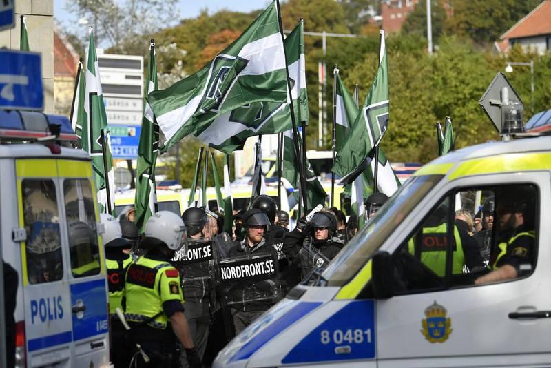 De plakat som bars i nazistdemonstrationerna i Göteborg 2017 med journalisten Willy Silbersteins namn och bild är att anse som en tryckt skrift. Det slår Högsta domstolen (HD) fast. Därmed är det möjligt att de kan konfiskeras.
