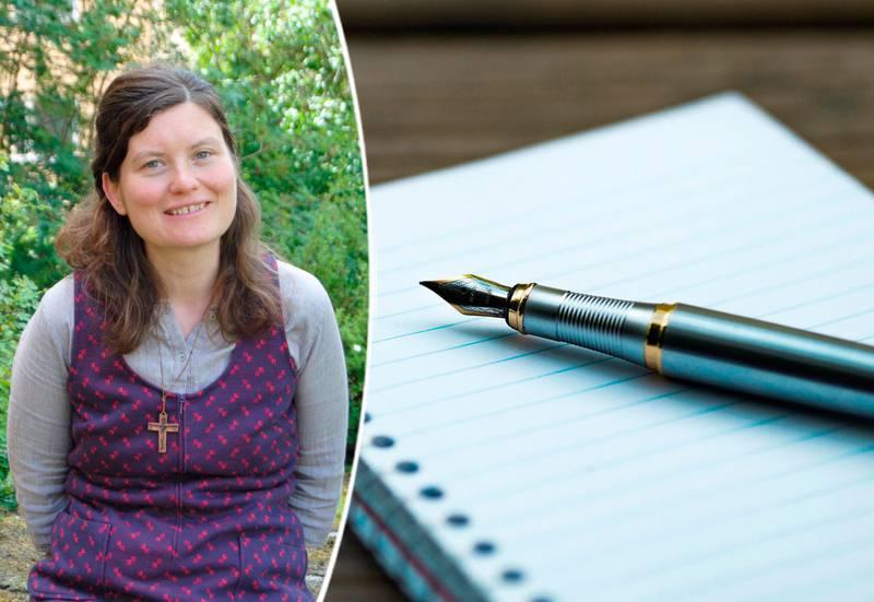 Alva Dahl infälld i en bild på ett anteckningsblock med en bläckpenna liggande ovanpå.