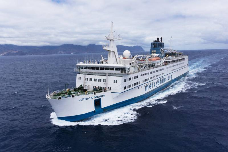Sjukhusfartyget Africa Mercy är just nu på sin årliga service på Teneriffa.