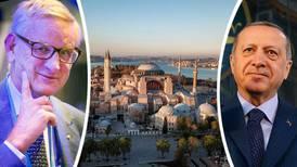 Carl Bildt ger sig in i moskébråket om Hagia Sofia