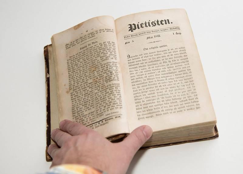 1842 startar Carl Olof Rosenius tidskriften Pietisten tillsammans med George Scott, som han ger ut till sin död.