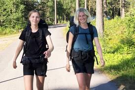 De går från Umeå till Stockholm med barnvagn