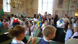 Kyrkan och Tingsryds kommun skriver avtal om skolavslutningar i kyrkan