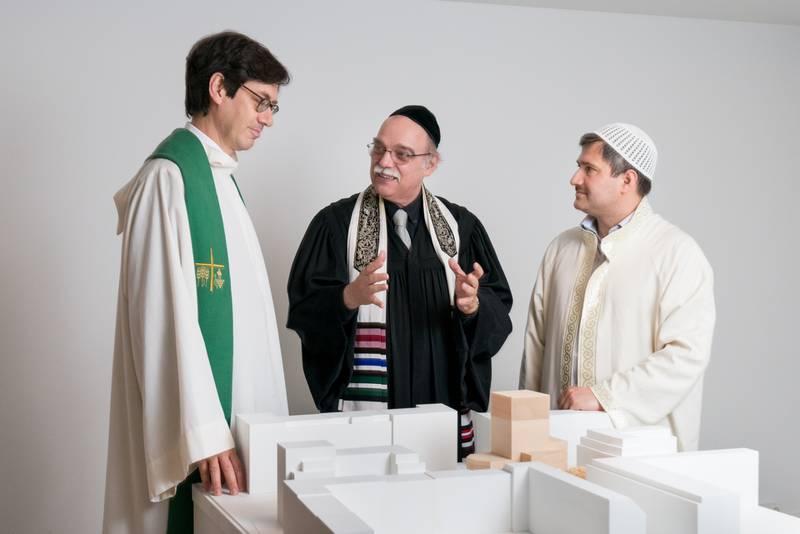 """""""House of one"""" heter det interreligiösa arbetet i Berlin som bokstavligt talat är på väg att föra samman kristna, judar och muslimer under ett och samma tak."""