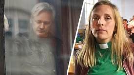 Diakonen Anna Ardin träder fram om Julian Assange
