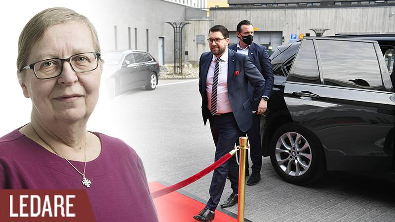Sverigedemokraternas partiledare Jimmie Åkesson anländer till TV-huset i Stockholm.