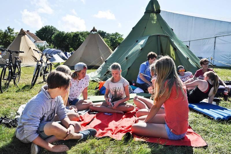 Det kommer att resas färre tält på Hönö denna sommar.