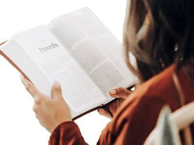 """Jesus frågade: """"Var har ni lagt honom?"""" De sade: """"Herre, kom och se."""""""