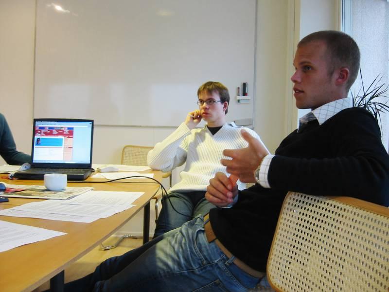 Crossnet-flow var en kristen ungdomsportal på internet som startade den första november 2003. Drevs av IT-företaget Crossnet och ideellt engagerade ungdomar. Lars Eliasson (vit tröja) och Arvid Josefsson var två av initiativtagarna.