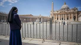Ovaccinerade turister portas från Vatikanen
