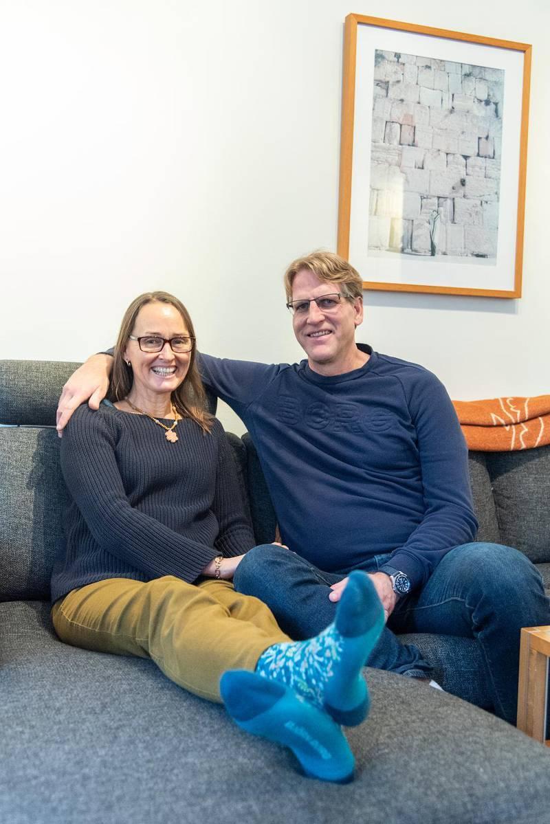 Tajt team. Den 10 maj 2008 gifte sig Camilla och Peter Ahlman. Nu jobbar de ihop med egna missionsorganisationen To be continued.