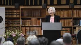 Förintelseöverlevaren Hédi Fried på plats vid nazistmarsch