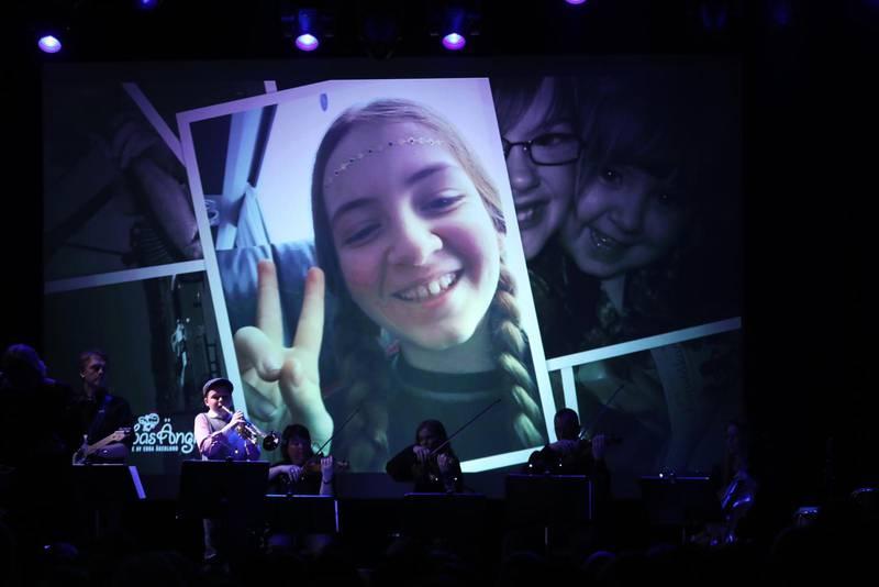 Bild på Ebba Åkerlund från minneskonserten efter hennes bortgång.