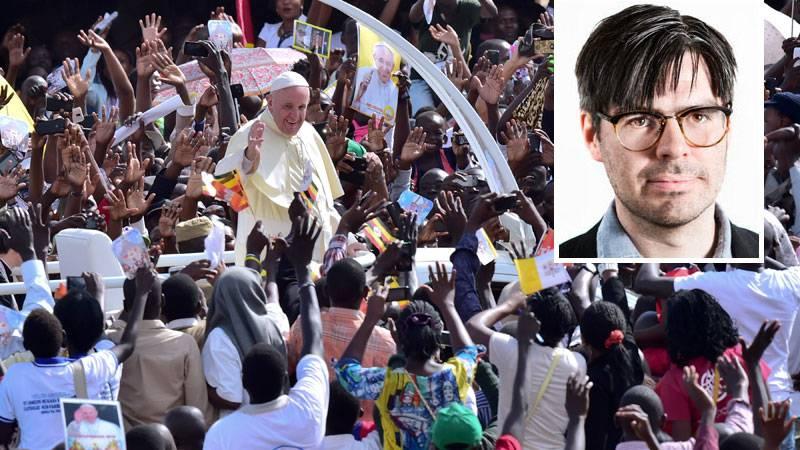 Det är ingen slump att de flesta av påvens resor har gått till länder i det globala syd. Här besöker han Uganda i november 2015.