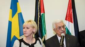 Wallström hyllas i Palestina - men bojkottas av Israel